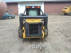 2004 LS 180 New Holland Skid Loader. 2 Speed goes 12 mph. 3,300 hours