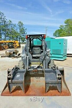 2017 New Holland Skid Steer L234 with Normal & Grapple Bucket & 2 Sets of Tires