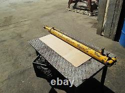 Hydraulic Lift Cylinder For Boom Off A Ford Cl40 Skid Steer