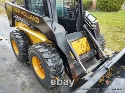 New Holland LX865 Skid Steer Loader Cab Working Heat NEW TIRES 72 Bucket NICE