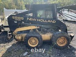 New Holland LX885 Skid Steer Loader