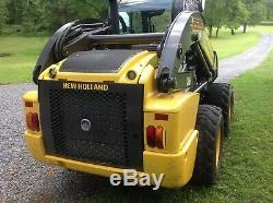 New holland skid steer 2015 L 228. 223 hours